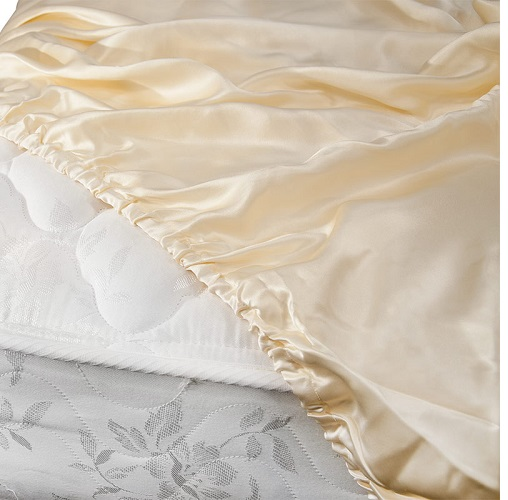 Awesome Aus Vio Luxury Silk Fitted Sheets Are Made Of The Finest Silk Charmeuse  Available, And Are Designed To Provide Exceptional Comfort All Year Long.
